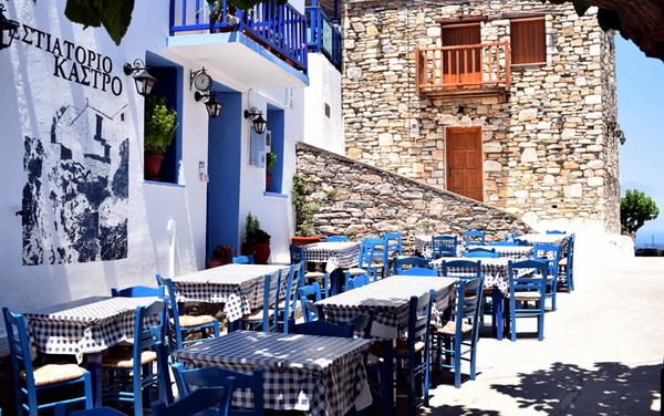 Το Κάστρο Εστιατόριο στο Παλιό Χωριό