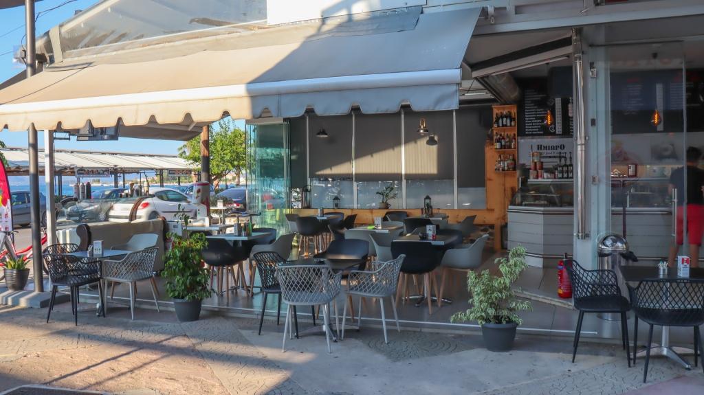 Ημίωρο Fast Food & Coffee στα Καμένα Βούρλα